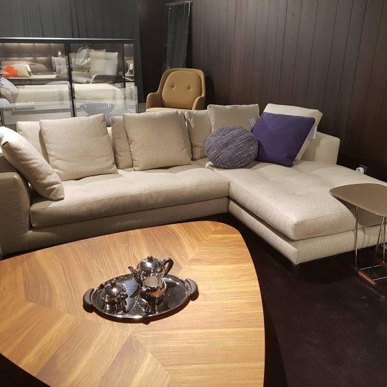 M-Studio Reiter Altenmarkt | Vitra Tip Ton Stuhl image 74