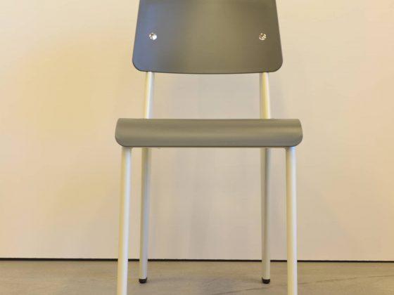 M-Studio Reiter Altenmarkt | Vitra Tip Ton Stuhl image 17