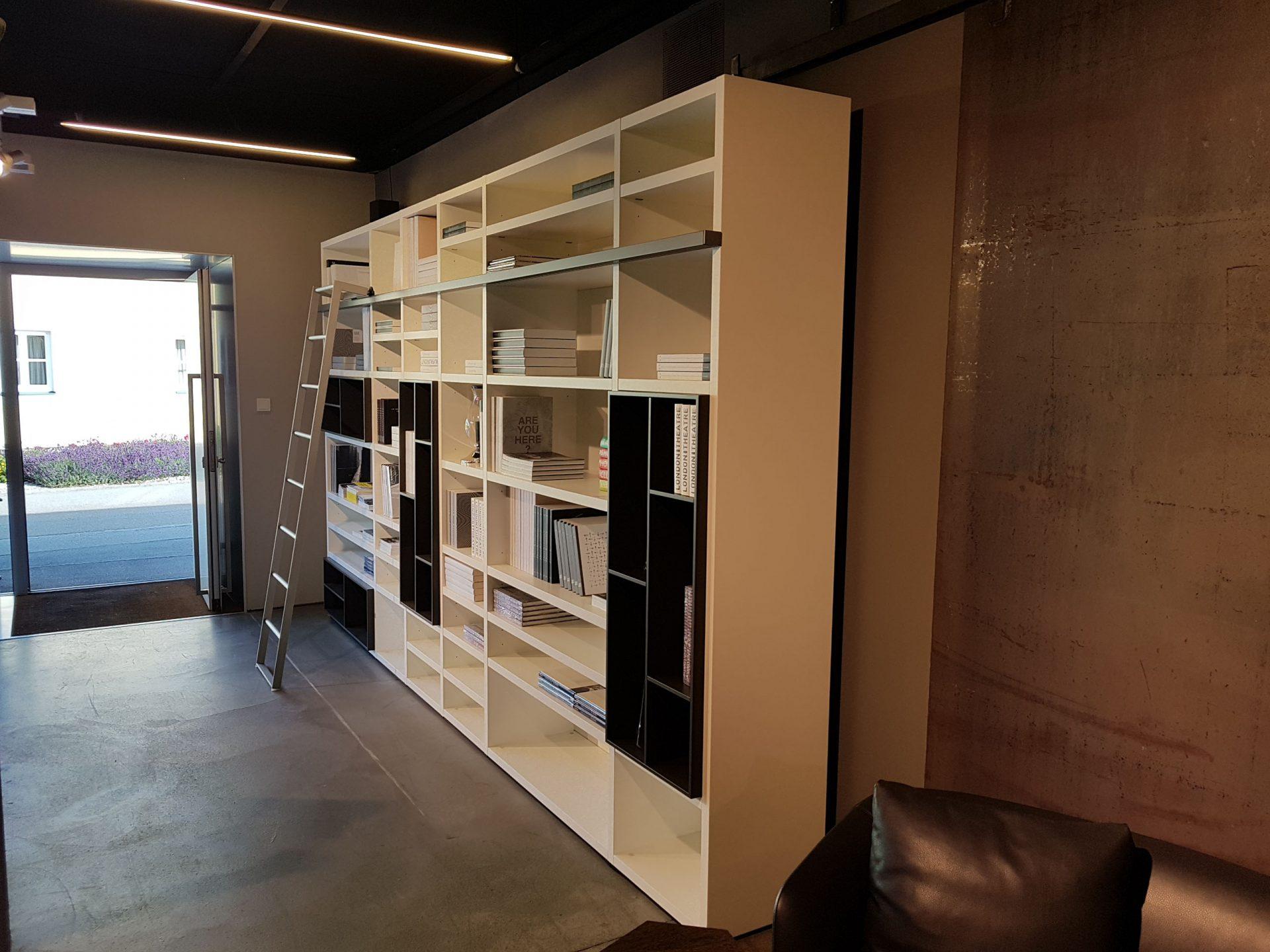 Poliform Bücherregal — M-Studio Reiter Altenmarkt