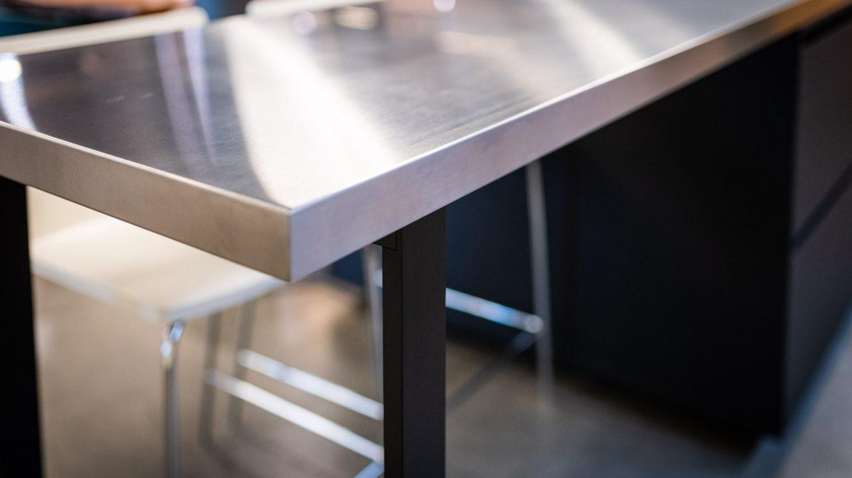 Edelstahlküche im M-Studio Reiter