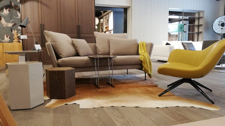 Abverkauf Minotti Beistelltische und Vitra Suita Sofa