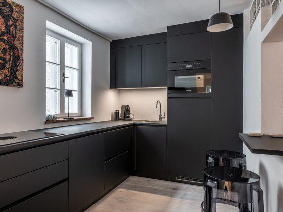 schwarz matte Küche by M-Studio Reiter